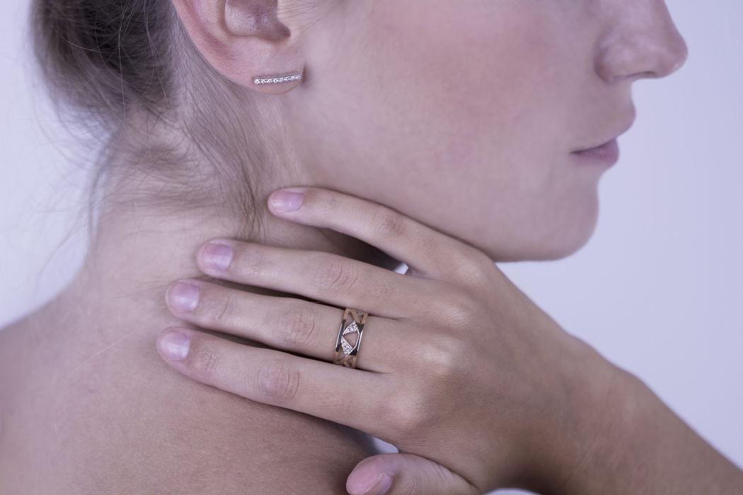 Afew Jewels - Anillo Vaasa 18K Oro Rosa + 0.15Ct Brillantes Blancos