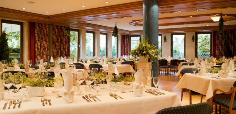 Beispiel: Hochzeitstafel, Foto: AKZENT Hotel Forellenhof Rössle.