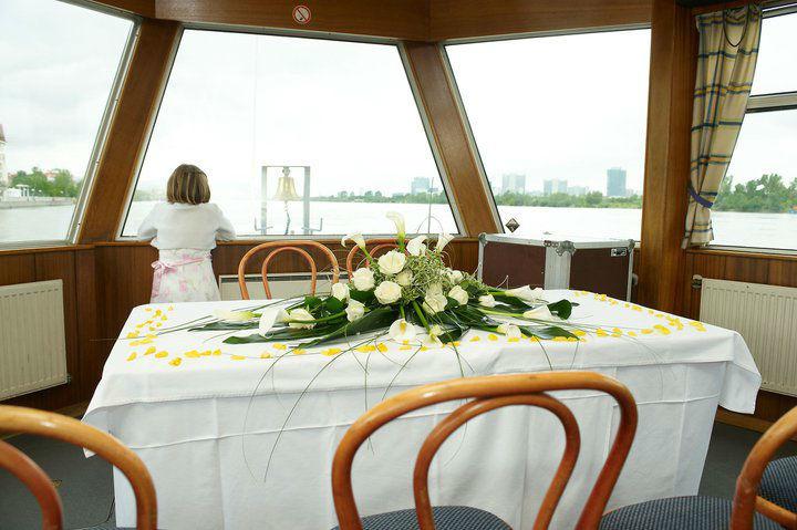 Beispiel: Für die Trauung an Bord, Foto: DDSG Blue Danube.