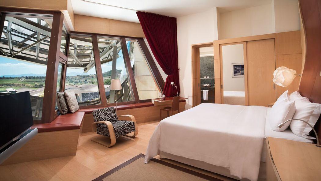 Deluxe Gehry wing room, Hotel Marqués de Riscal