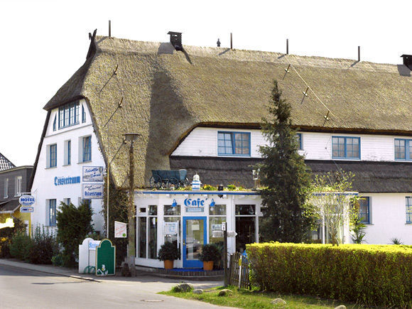 Beispiel: Außenansicht, Foto: Landhotel Ostseetraum.