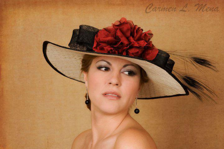Carmen L. Mena Complementos
