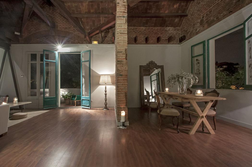 La Sala Noble.  Situada en la Primera Planta, con ambientes diferenciados  y acceso a terraza.