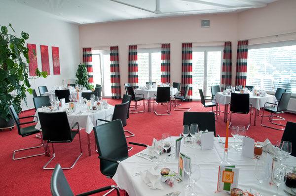 Beispiel: Festtagsgedeck, Foto: Hotel Sättele.
