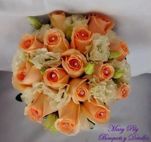 Hermoso Bouqet de Boda Civil con rosas melon,lisianthus perla y detalles de stras