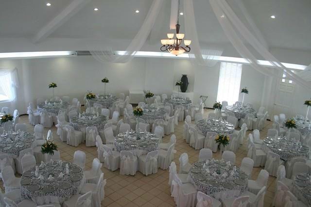 Salón climatizado de Club de Playa con vista panorámica al mar. Hotel Doña Juana Cecilia en Tamaulipas