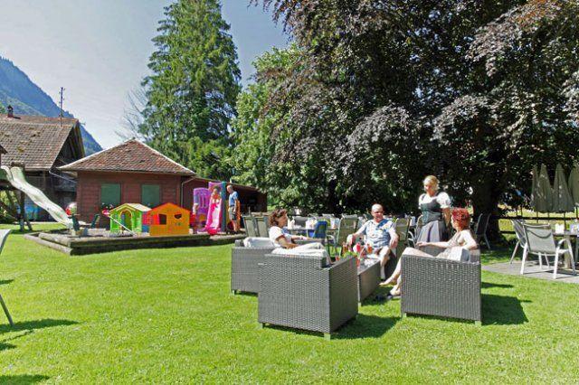 Beispiel: Garten und Spielplatz, Foto: Hotel Bahnhof.