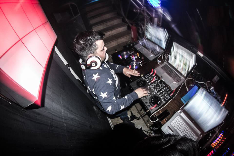 DJ Ariel Robert