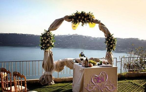 La Locanda del Pontefice altare matrimonio simbolico terrazzo secondo livello
