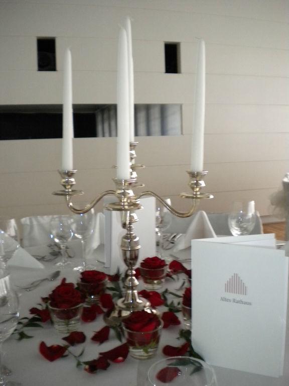 Beispiel: Tischdekoration, Foto: Wilheine Blumenbindekunst.