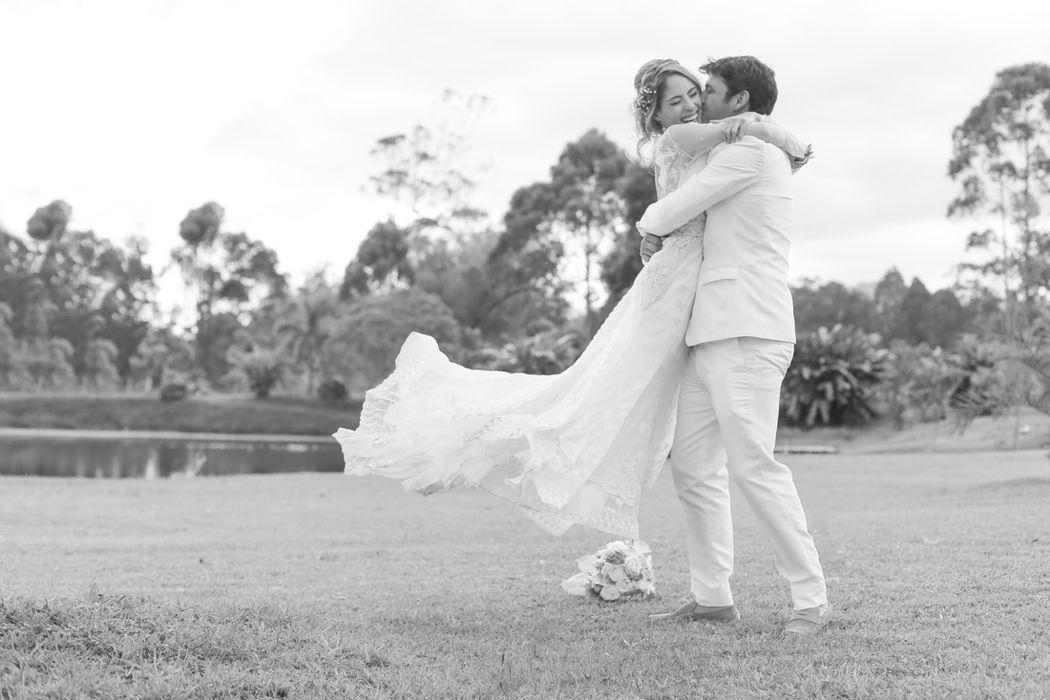 Esperanza & Tomas  Wedding Planner: Lina Vargas Producción Decoración : Lica Creativa  Fotografía: Tatiana Garces