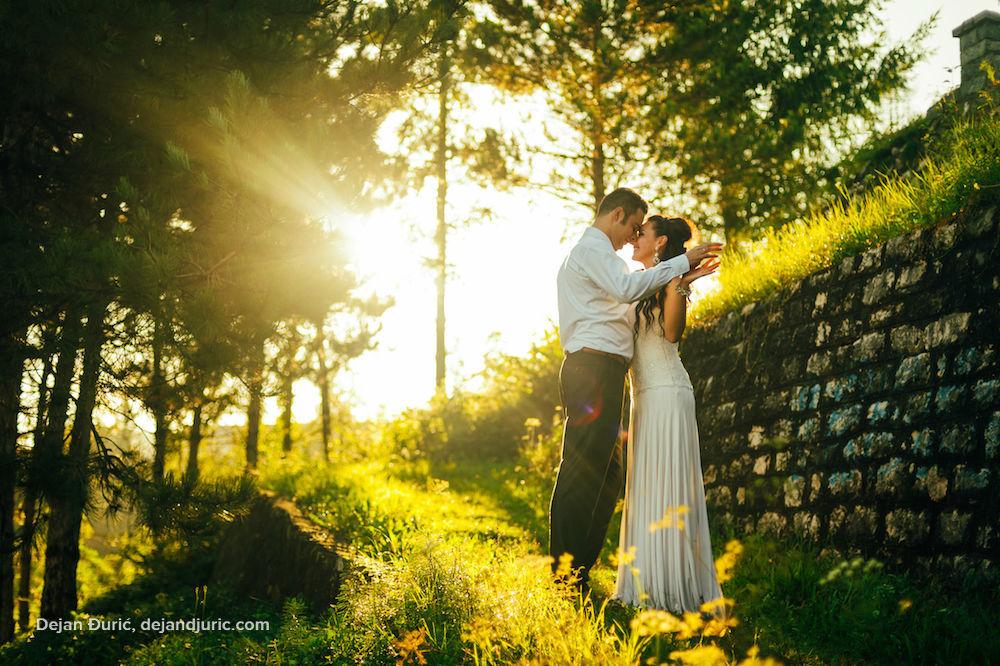 Beispiel: Romantische Hochzeitsfotos, Foto: Dejan Djuric photography.