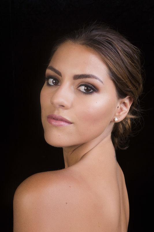 Micaela Sifuentes  Makeup Artist