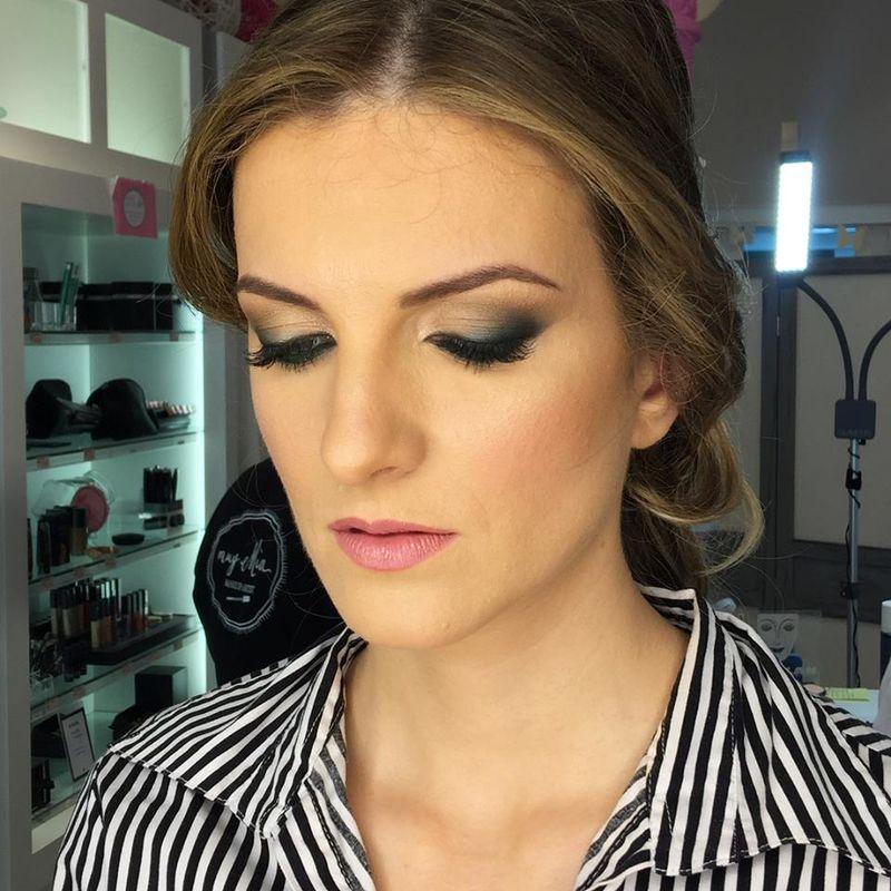 MuyMia makeup