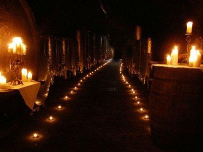 Beispiel: Romantische Trauung im Weinkeller, Foto: Schloss Gamlitz.