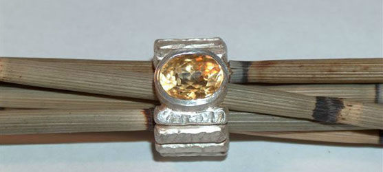 Beispiel: Ring, Foto: Tom Urben Goldschmied.