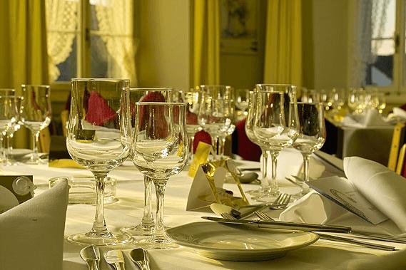 Beispiel: Tischdekoration, Foto: Landgasthof Adler Grüningen.