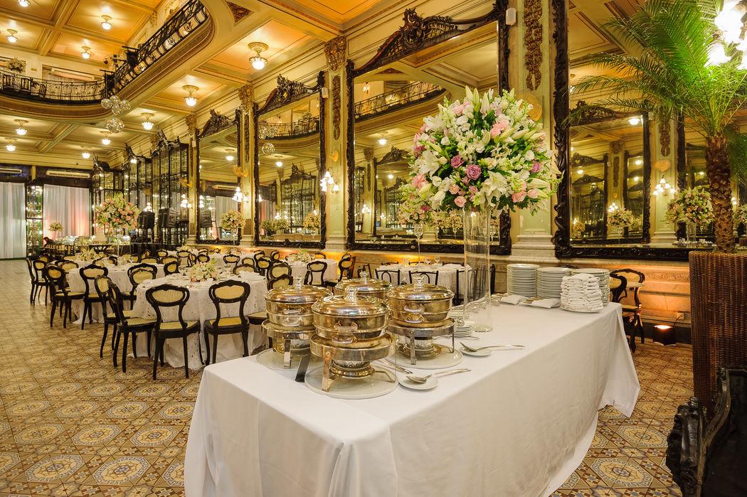 Mesas do Buffet - Mesas de convidados - Salão Bar Jardim.