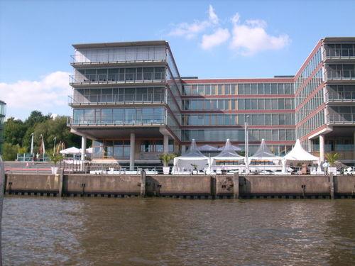 Beispiel: Blick vom Wasser, Foto: IndoChine waterfront + restaurant.