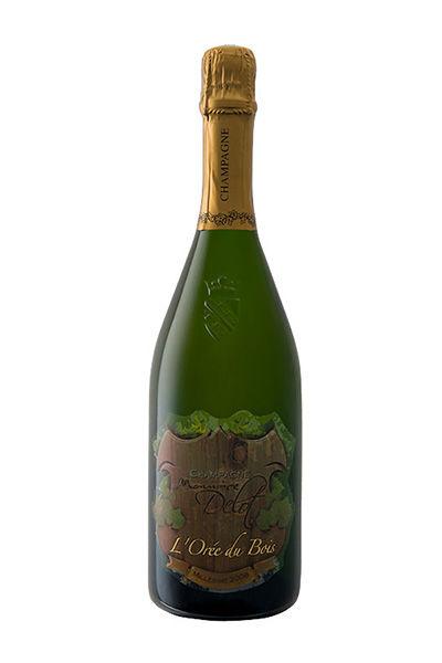 L'Orée du Bois 100% chardonnay. Élevé pendant 8 mois en fut de chêne avant la mise en bouteille.Il est le fruit d'un vieillissement de 4 ans.