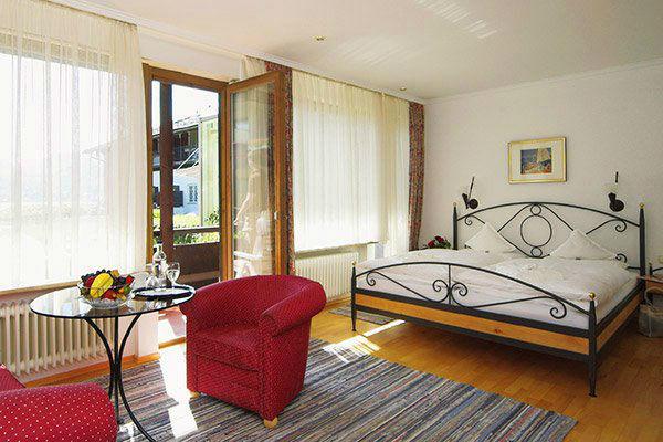 Beispiel: Zimmer, Foto: Hotel Terrassenhof.