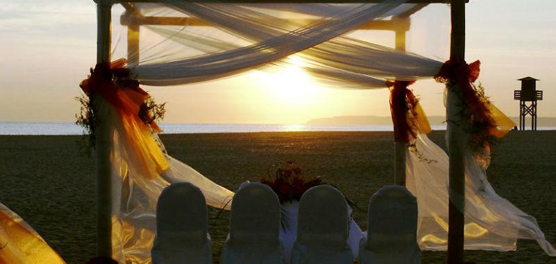 Ceremonia Civil Oficial en la Playa