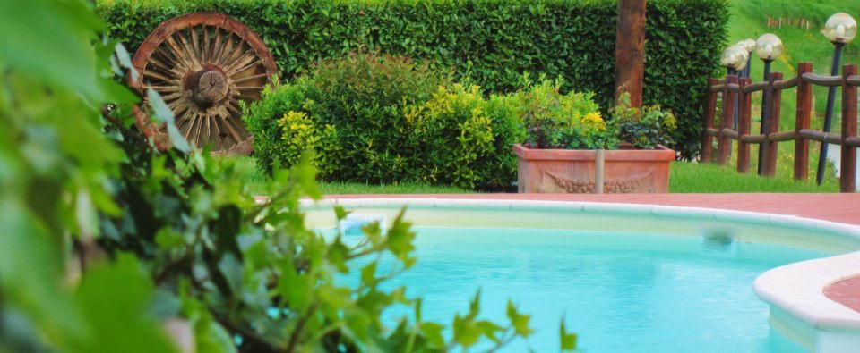 La piscina dell'Hotel Certaldo a Certaldo (Toscana)