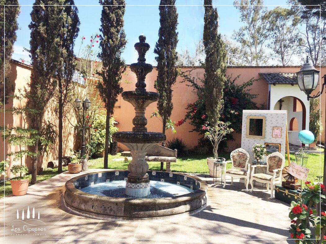 Los Cipreses Terraza - Jardín