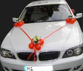Beispiel: Ballondekoration Auto, Foto: Ballon Werkstatt.