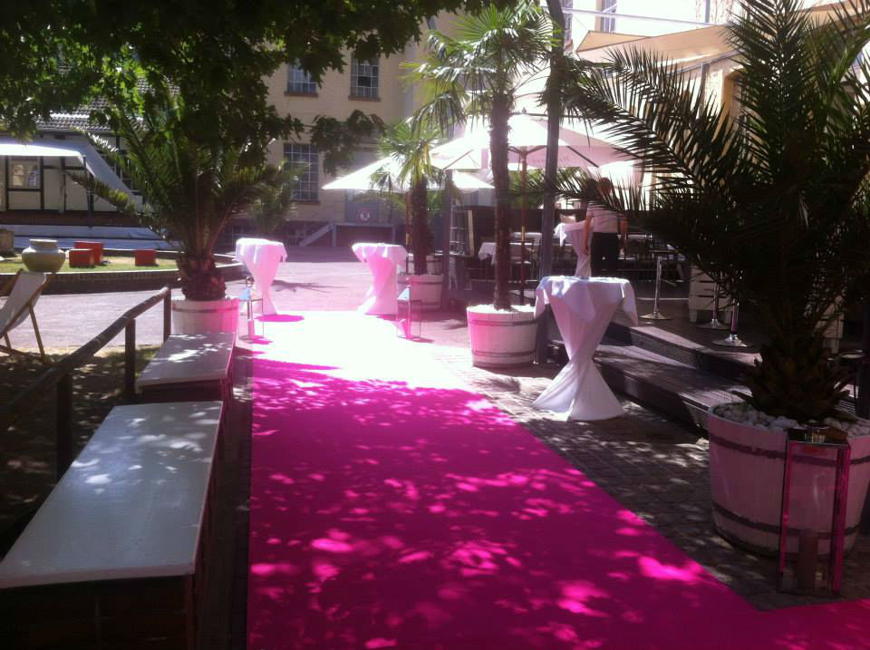 Beispiel: Pinker Teppich, Foto: Cantina Majolika.