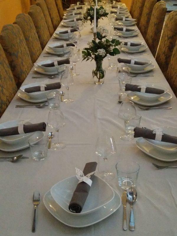 table rectangulaire pour 20 personnes