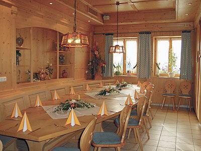 Beispiel: Gemütliche Atmosphäre im Kuchl, Foto: Landgasthof Reisinger.