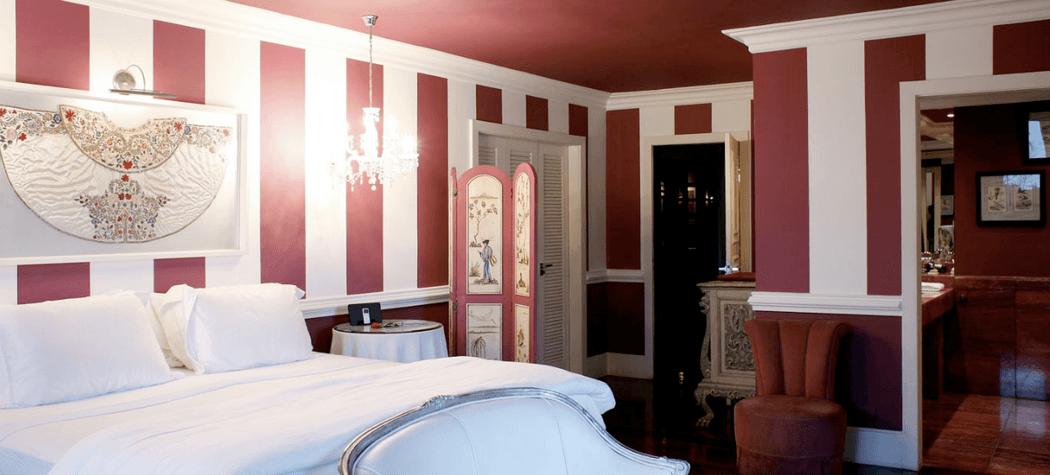 La Suite Boutique Hotel by Dussol - The Purple Suite