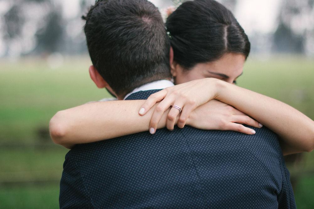 Pareja el día de su matrimonio. Fotografía: Loopstudios