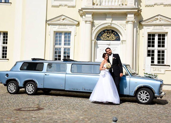 Ein himmelblauer Trabant zur Hochzeit!