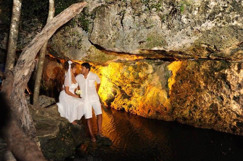Ceremonia y forografías en un hermoso Cenote