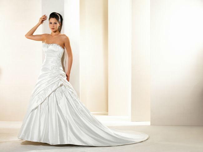 Beispiel: Traumhafte Brautkleider, Foto: Marry Me.