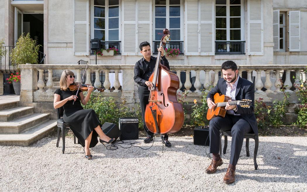 Trio jazz manouche mariage http://www.jazz-manouche.clementreboul.com/