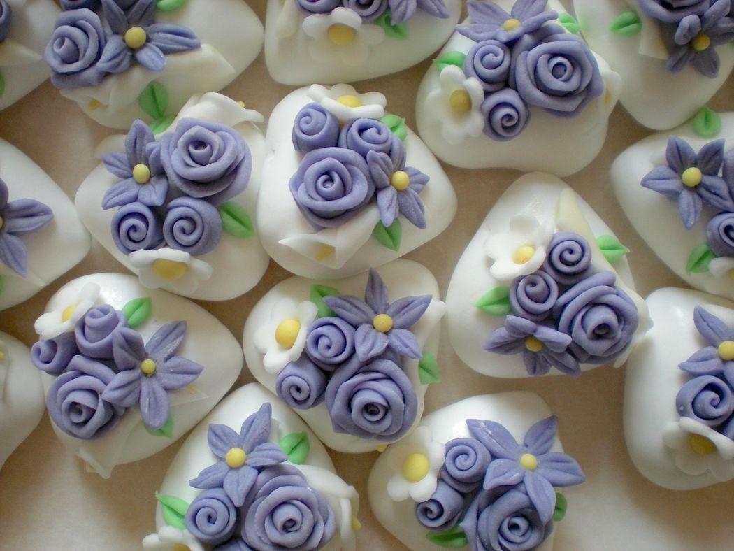 Confetti magnum decorati a mano, in pasta di zucchero