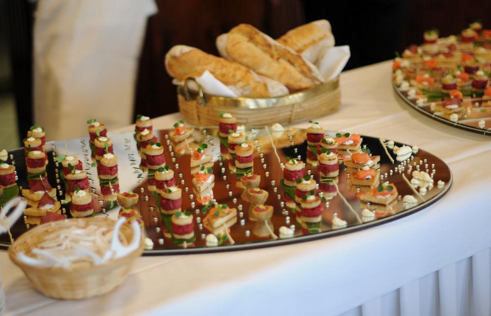 Beispiel: Buffet, Foto: Hotel Chlosterhof.