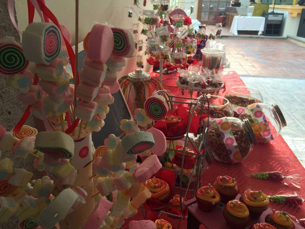 servicios complementarios como mesas de dulces