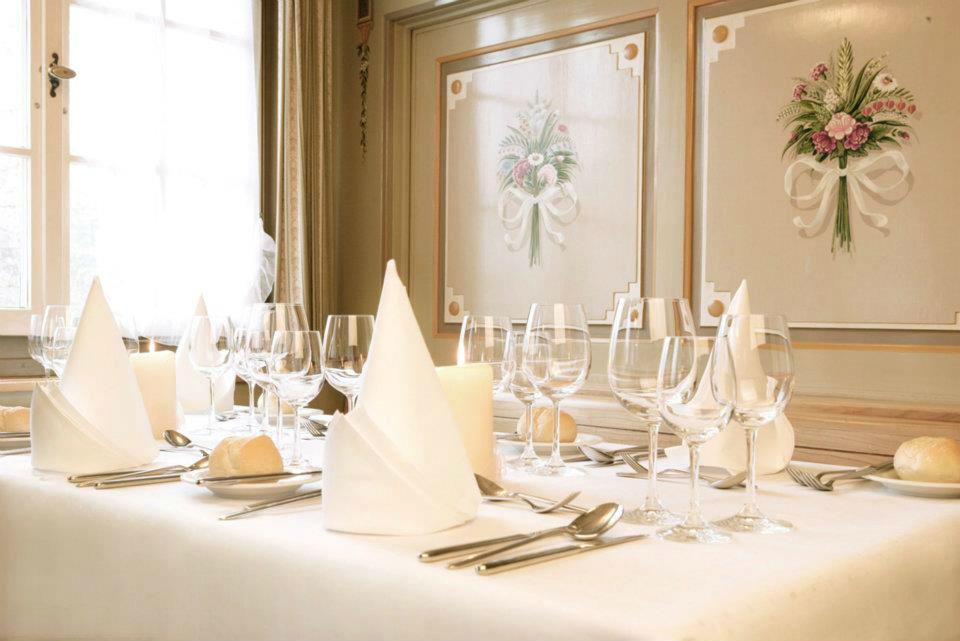 Beispiel: Tischdekoration, Foto: Wasserschloss Hagenwil.