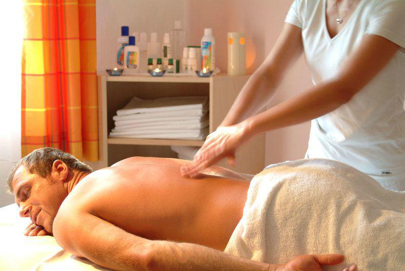 Beispiel: Massage, Foto: Alpen Adria.