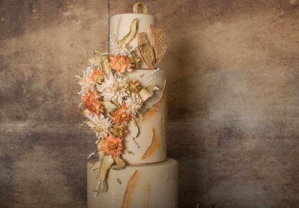 Silhouette Cake Blume