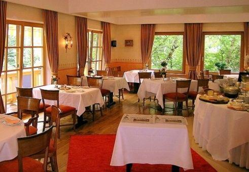 Beispiel: Restaurant, Foto: Romantik Hotel Waxenstein.
