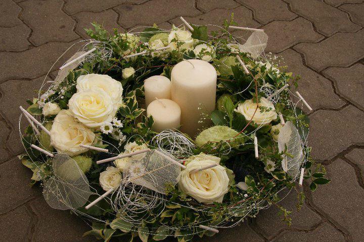 Beispiel: Gestecke für den Hochzeitstisch, Foto: Garten Kochauf .