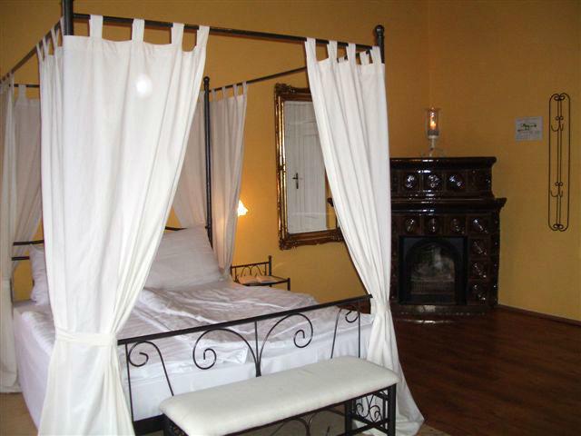 Beispiel: Romantische Zimmer im Schloss, Foto: Schloss Neetzow.