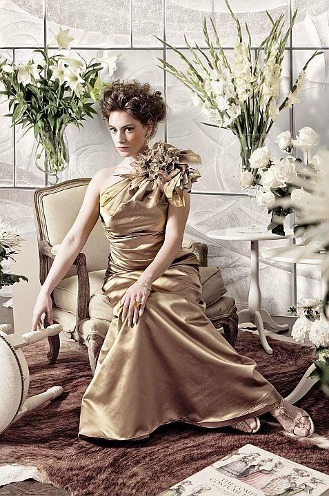 Beispiel: Ihre perfekten modischen Begleiter, Foto: Ella Deck Couture Abendmode.
