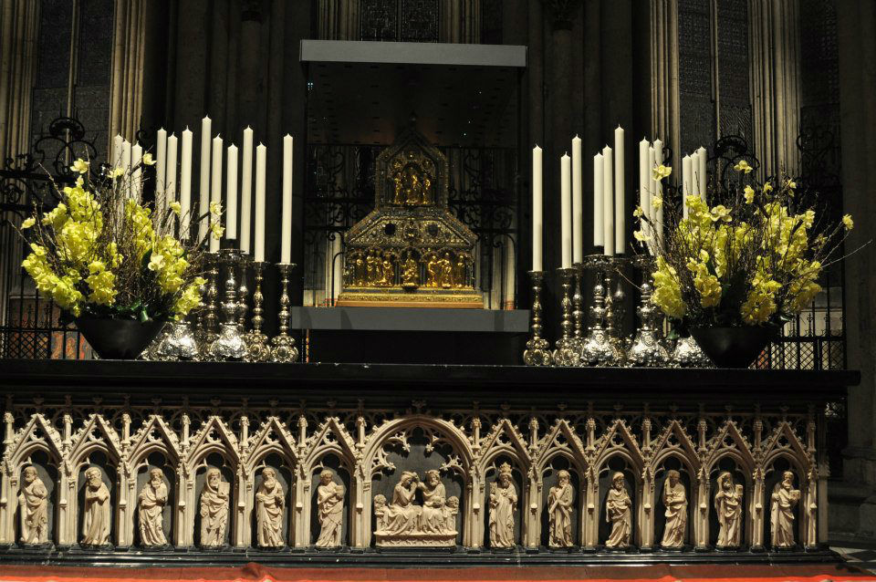 Beispiel: Kirchenschmuck, Foto: Blumen von Steiner.