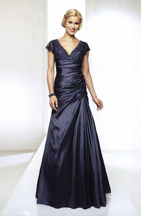 Beispiel: Elegante Mode für Sie, Foto: Kleiderverleih Rottenberg.